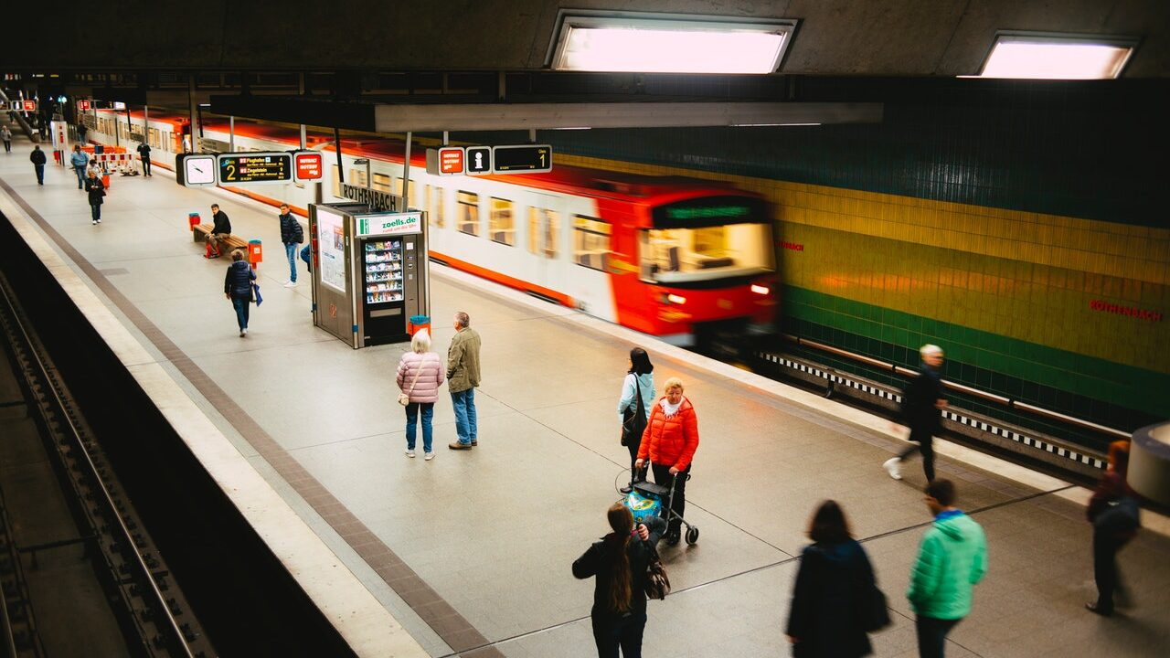 Green Transport in Germany and Denmark – Solutions for the Future of Mobility